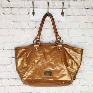 Charles by Charles David leather cooper bag